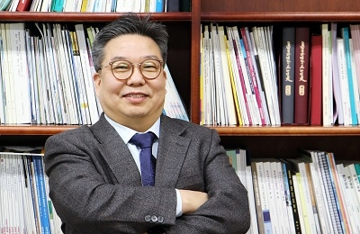 신소재 김형섭 교수팀, '강철의 연금술' 2000% 늘어나는 합금 설계