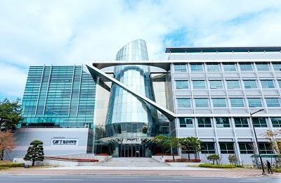 '세계 유일' POSTECH 철강대학원, 에너지 더해 글로벌 소재 교육‧연구거점 거듭난다